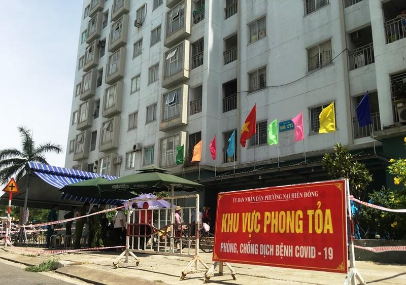 Đà Nẵng: Một người định đu dây trốn khỏi chung cư bị phong tỏa - ảnh 1
