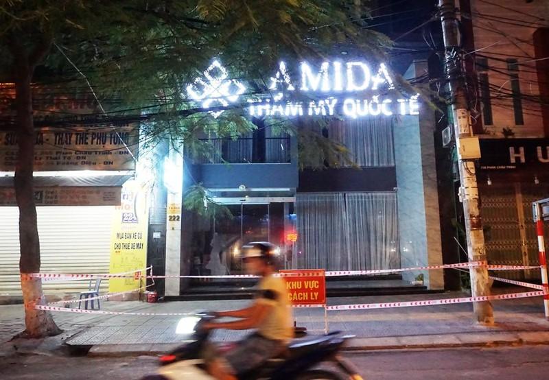 Công an Đà Nẵng đã khởi tố vụ án tại ổ dịch thẩm mỹ viện AMIDA - ảnh 2