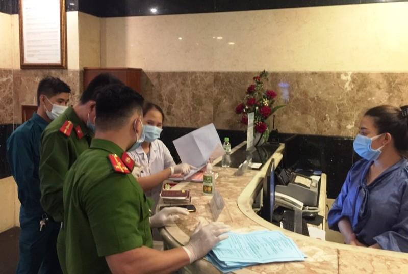 Đà Nẵng: Phạt 7 người Trung Quốc vi phạm quy định chống dịch - ảnh 1