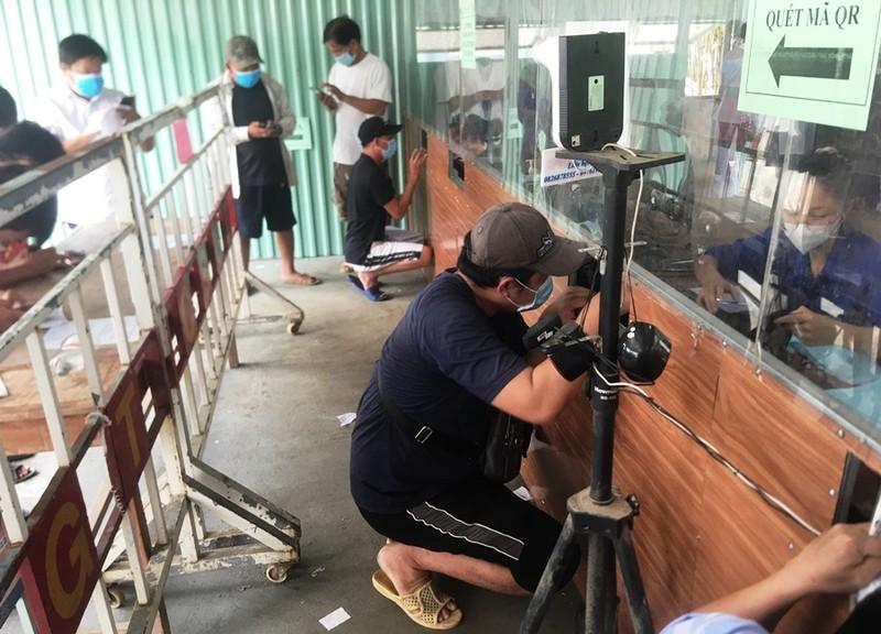Bất cập ở chốt kiểm soát y tế vào nội thành Đà Nẵng - ảnh 1