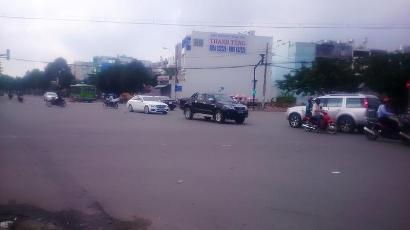 Bất động sản phía Tây Sài Gòn hút khách, giá tăng - ảnh 1