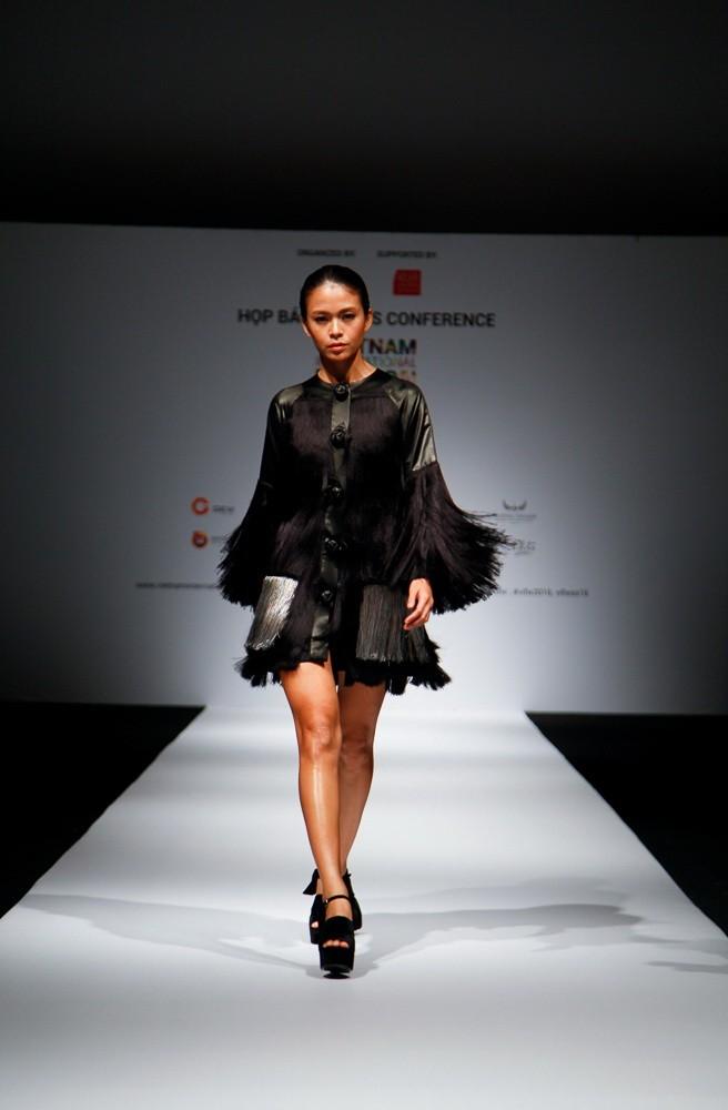 6 nhà thiết kế nước ngoài tại 'tuần lễ thời trang quốc tế Việt Nam' - ảnh 2