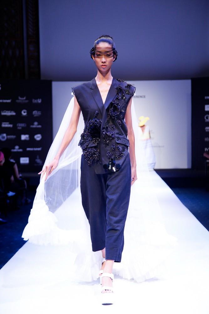 6 nhà thiết kế nước ngoài tại 'tuần lễ thời trang quốc tế Việt Nam' - ảnh 4