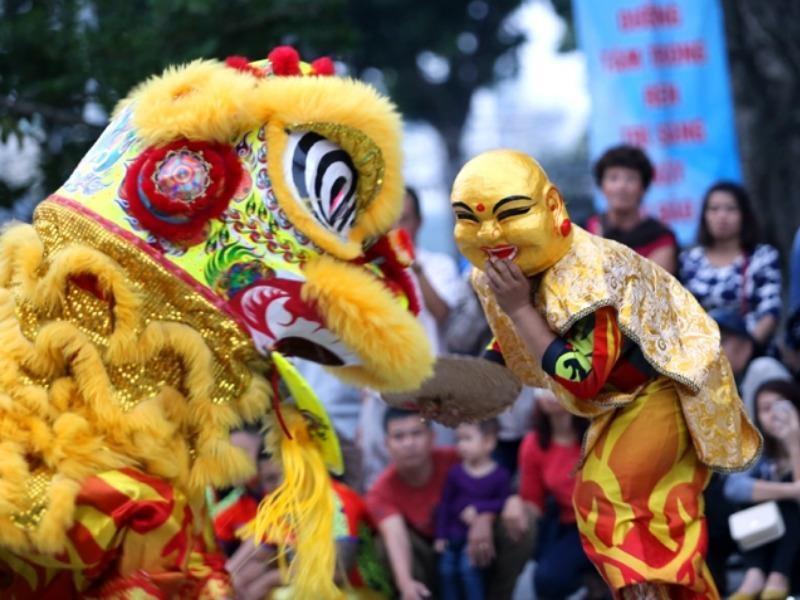 Liên hoan lân sư rồng trên phố đi bộ Nguyễn Huệ - ảnh 1