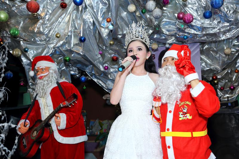 Hoa hậu Janny Thủy Trần tặng quà cho trẻ em Đồng Nai - ảnh 3