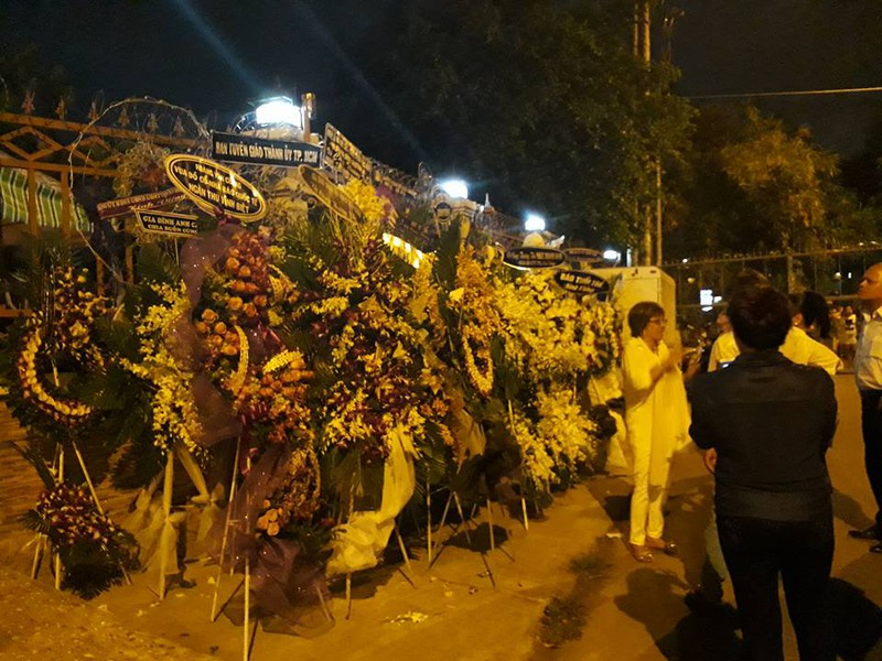 Nghẹn ngào đêm cuối tiễn biệt nghệ sĩ Thanh Sang - ảnh 11