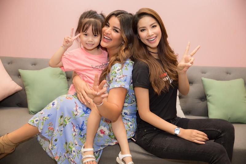 Hoa hậu Phạm Hương đọ sắc cùng hoa hậu Mỹ Latin - ảnh 7