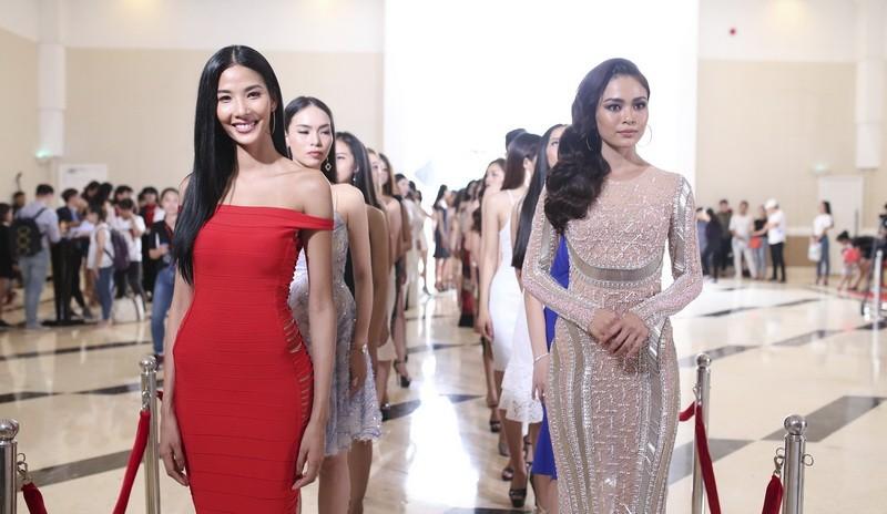 Người đẹp nổi tiếng ồ ạt thi Hoa hậu Hoàn vũ VN - ảnh 2