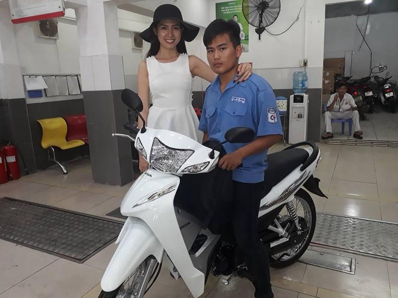 Phan Thị Mơ mua xe giúp cậu sinh viên nghèo - ảnh 1