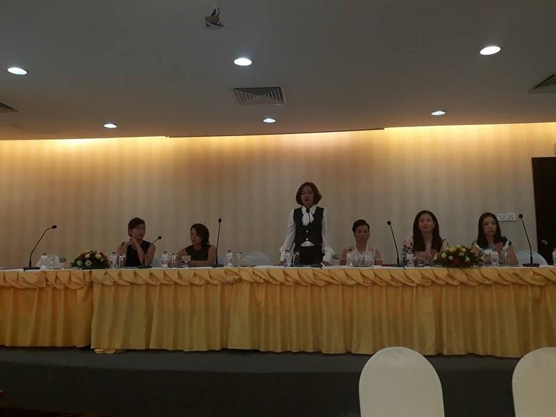 Sáu trong số tám thí sinh tố cáo cuộc thi và còn một thí sinh được cho là đồng tham gia nhưng đang ở nước ngoài chưa về được.