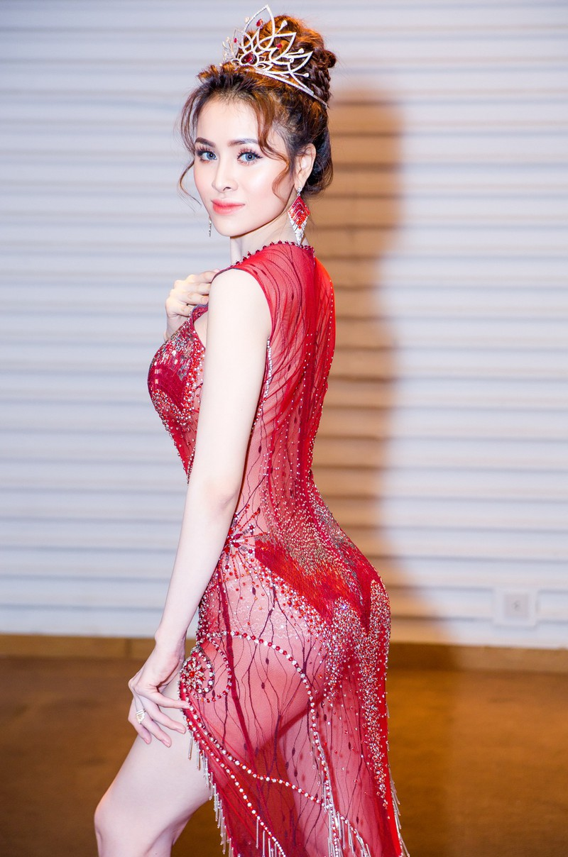 Ngắm hoa hậu sắc đẹp hoàn mỹ toàn cầu Thư Dung - ảnh 5