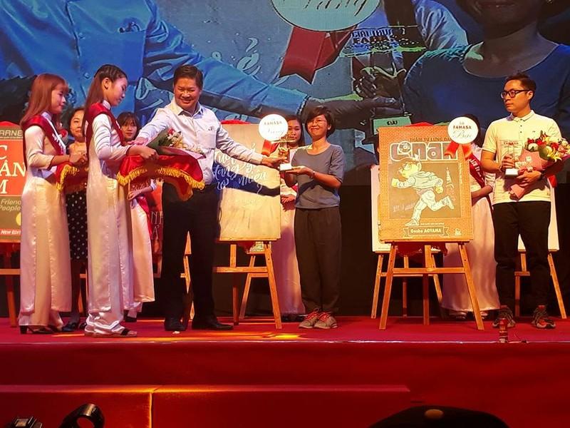 Tác giả trẻ Rosie Nguyễn nhận giải Sách được yêu thích - ảnh 2