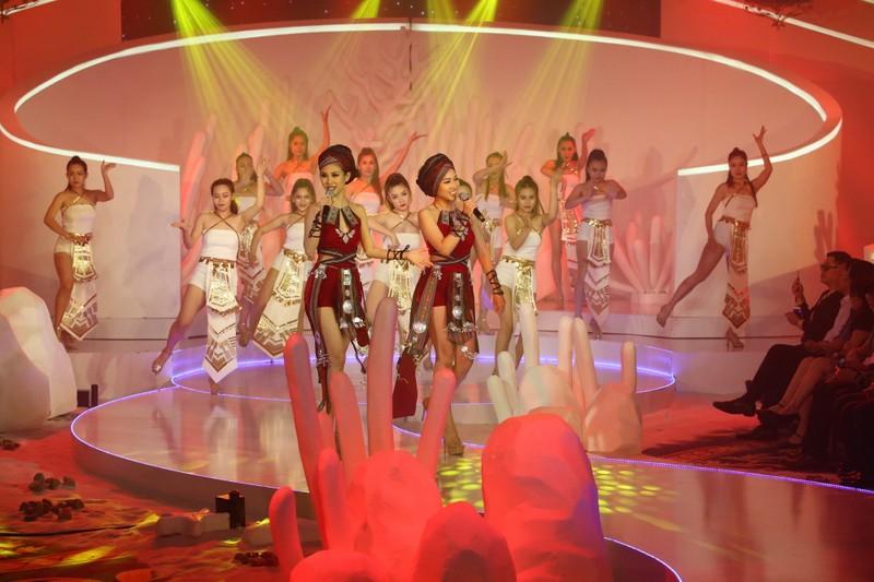 Chị gái Nam Em đăng quang 'Người mẫu Thời trang VN'   - ảnh 4