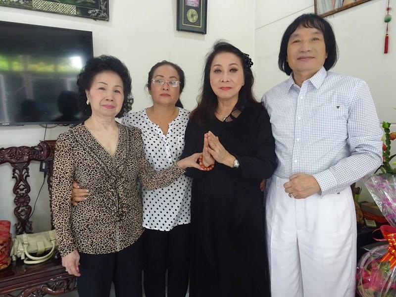 Nghệ sĩ cải lương quy tụ dự giỗ đầu NS Thanh Sang - ảnh 1