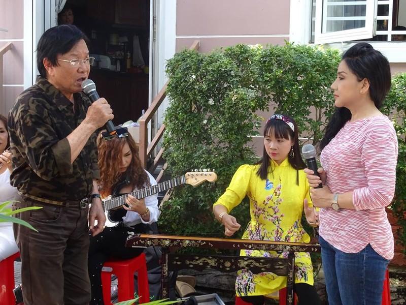 Nghệ sĩ cải lương quy tụ dự giỗ đầu NS Thanh Sang - ảnh 8