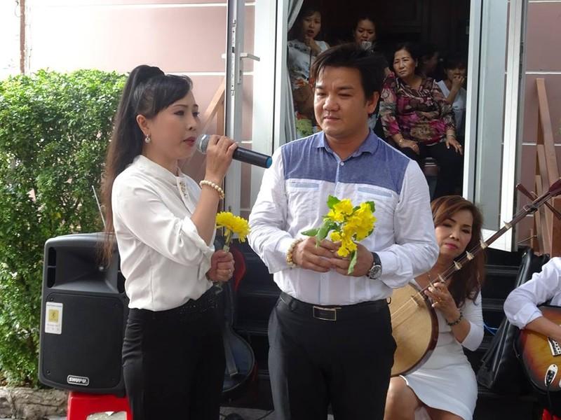 Nghệ sĩ cải lương quy tụ dự giỗ đầu NS Thanh Sang - ảnh 9