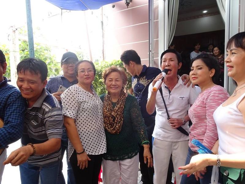 Nghệ sĩ cải lương quy tụ dự giỗ đầu NS Thanh Sang - ảnh 3