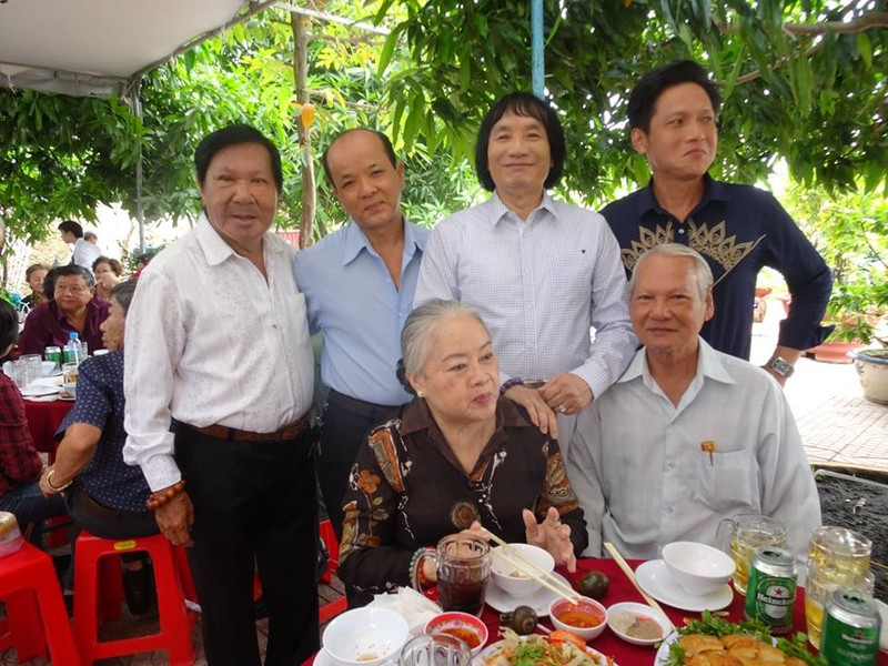 Nghệ sĩ cải lương quy tụ dự giỗ đầu NS Thanh Sang - ảnh 12