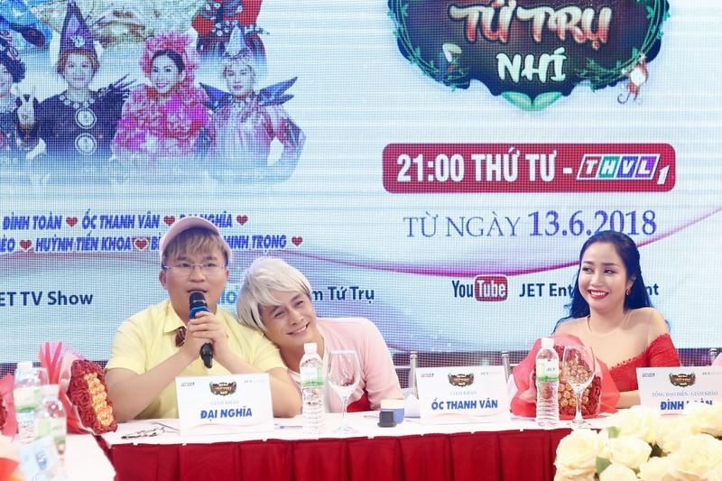 NS cải lương Bình Tinh một mình 'chống đỡ' 3 nam nghệ sĩ hài - ảnh 2