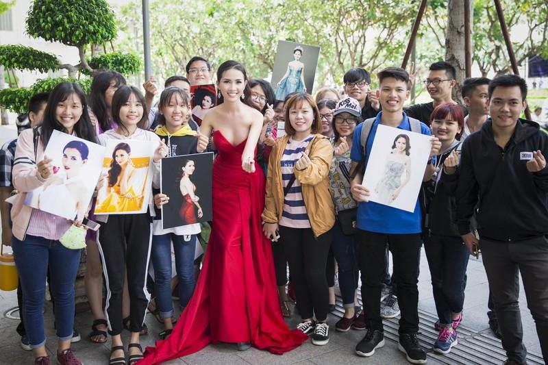 Phan Thị Mơ khoe nhan sắc quyết giành vương miện hoa hậu - ảnh 5