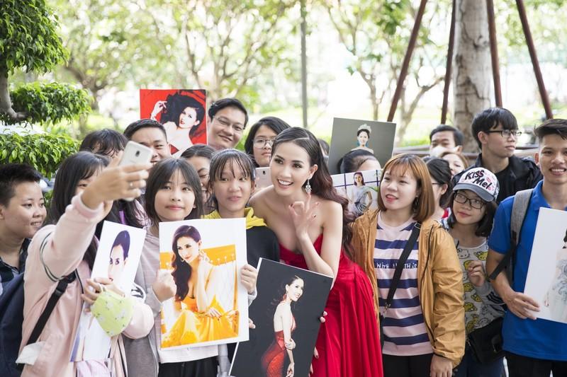 Phan Thị Mơ khoe nhan sắc quyết giành vương miện hoa hậu - ảnh 6