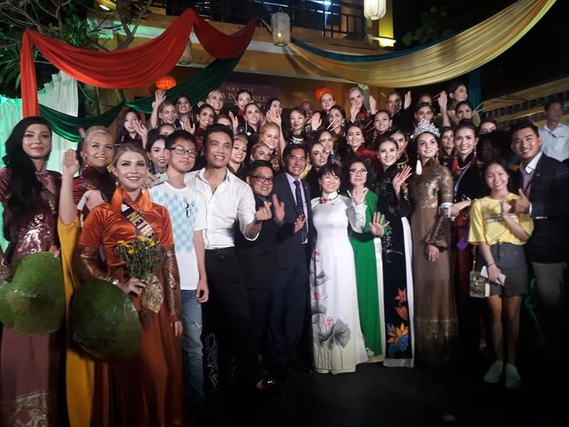 Philippines đạt giải trình diễn áo dài đẹp nhất tại Hội An - ảnh 12