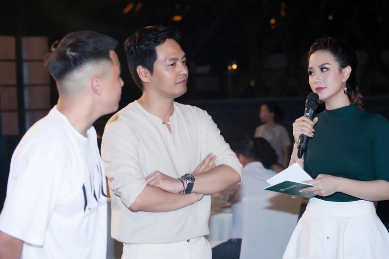 Á hậu Diễm Trang khoe sắc, khoe tiếng Anh  - ảnh 5