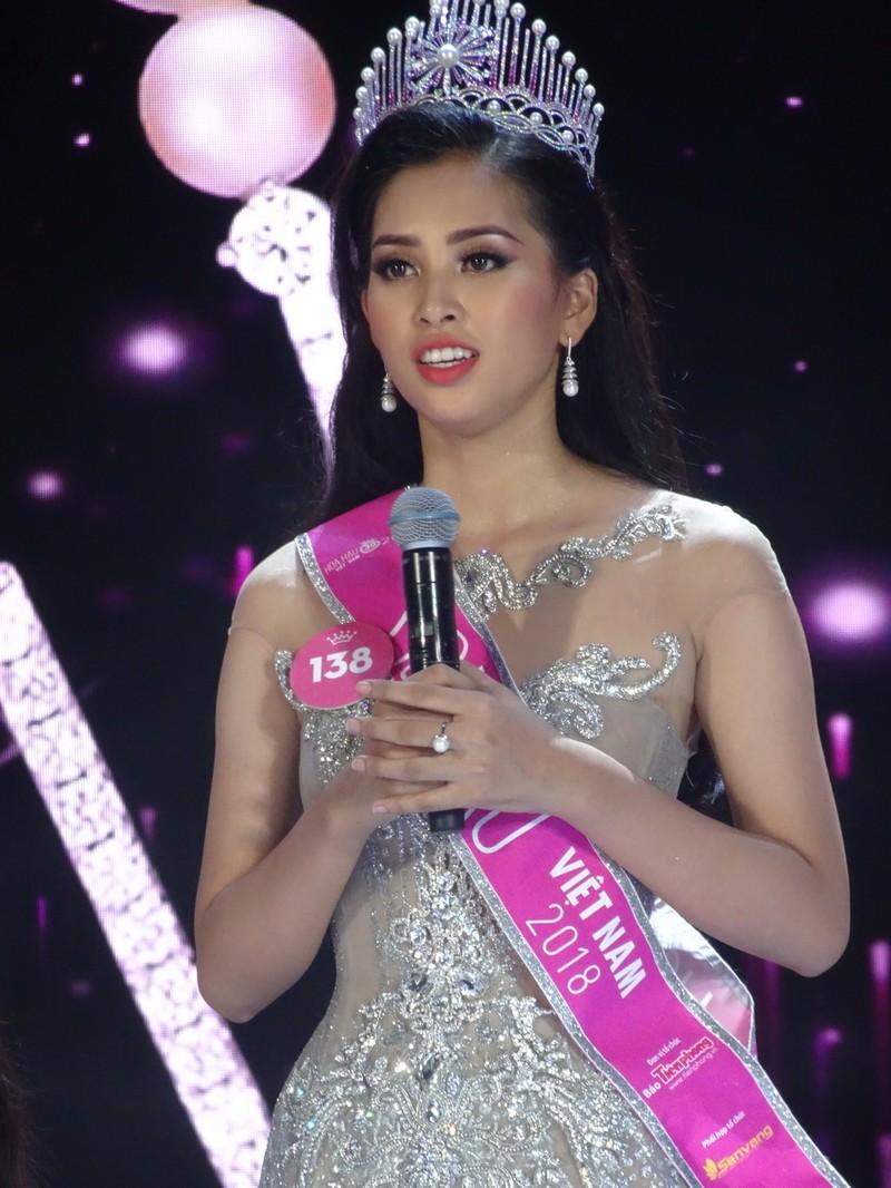 Tân Hoa hậu VN 2018: 'Hiện tại bây giờ em chỉ muốn gặp mẹ!' - ảnh 2