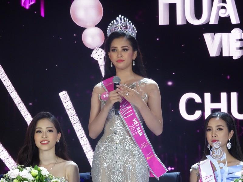 Tân Hoa hậu VN 2018: 'Hiện tại bây giờ em chỉ muốn gặp mẹ!' - ảnh 8