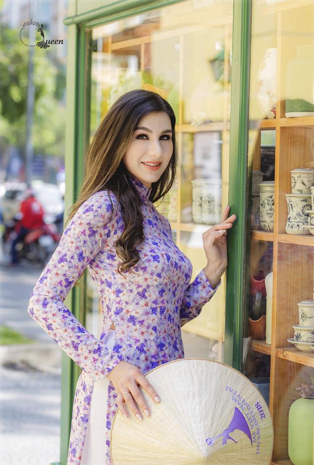 Hoa hậu Pháp diện áo dài, nón lá trên phố Sài Gòn - ảnh 1