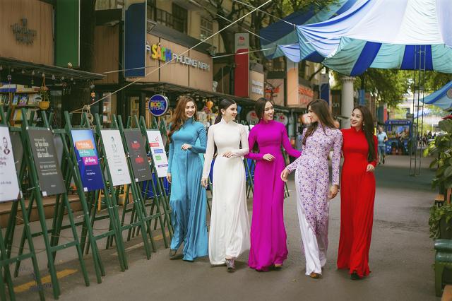 Hoa hậu Pháp diện áo dài, nón lá trên phố Sài Gòn - ảnh 7