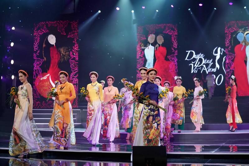 Ngắm bộ sưu tập áo dài xuân của HH Ngọc Hân ở Duyên dáng VN - ảnh 9