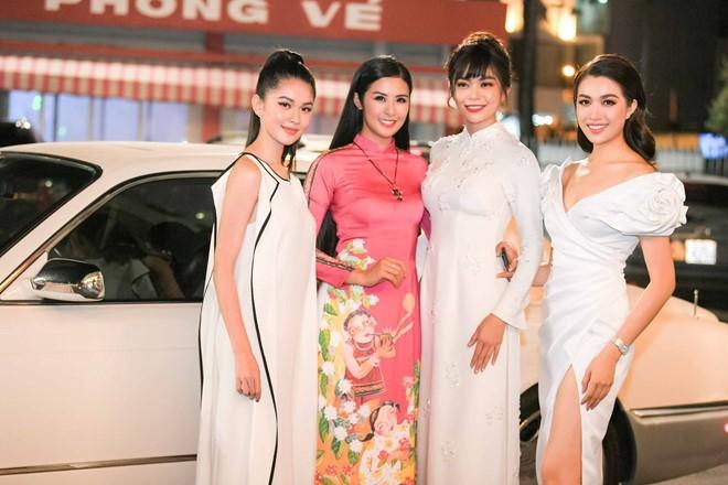 Ngắm bộ sưu tập áo dài xuân của HH Ngọc Hân ở Duyên dáng VN - ảnh 1