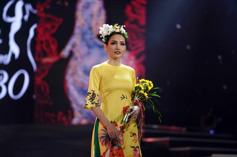 Ngắm bộ sưu tập áo dài xuân của HH Ngọc Hân ở Duyên dáng VN - ảnh 2