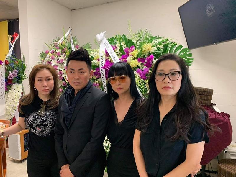 Hình ảnh đám tang nghệ sĩ Anh Vũ đang trực tiếp tại Mỹ - ảnh 4