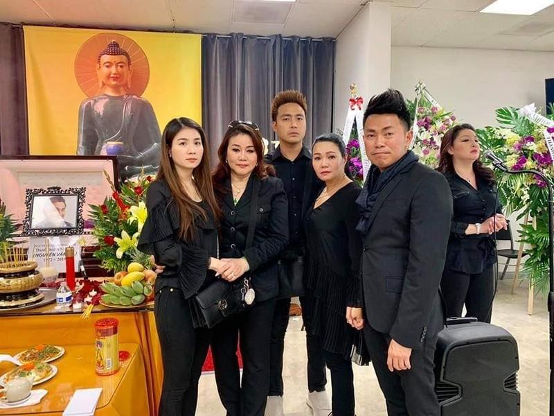 Hình ảnh đám tang nghệ sĩ Anh Vũ đang trực tiếp tại Mỹ - ảnh 5