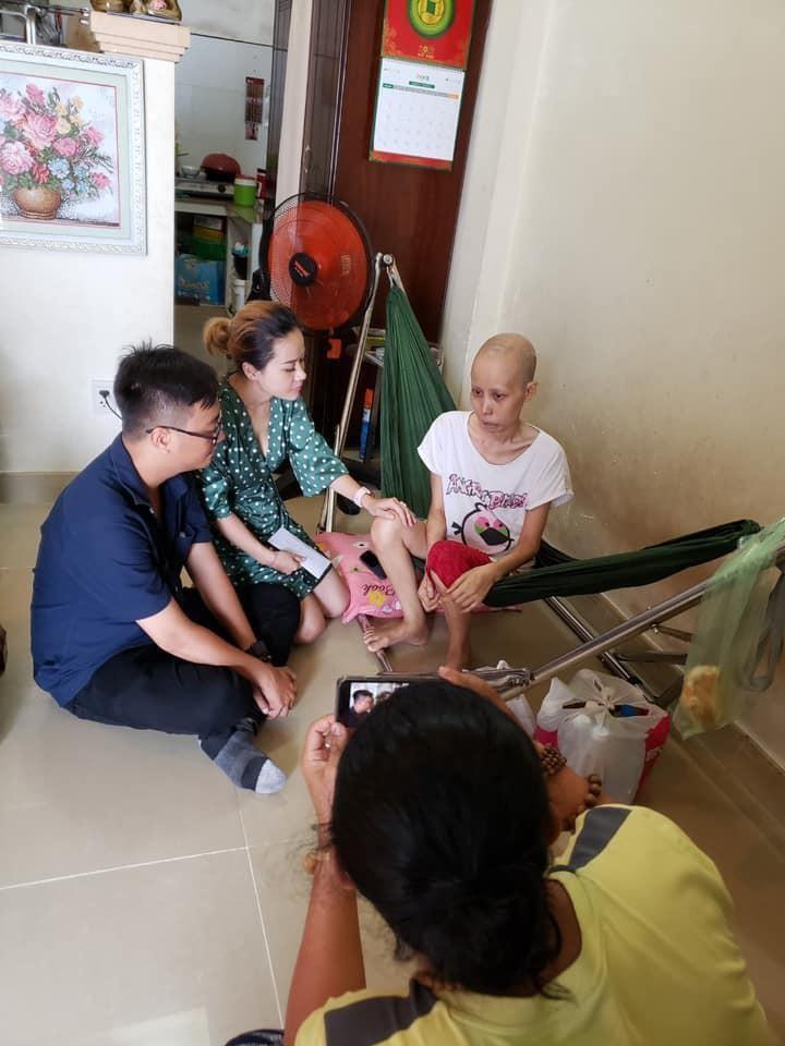 Gia đình cố NS Lê Bình từ thiện gần 300 triệu tiền phúng điếu - ảnh 4