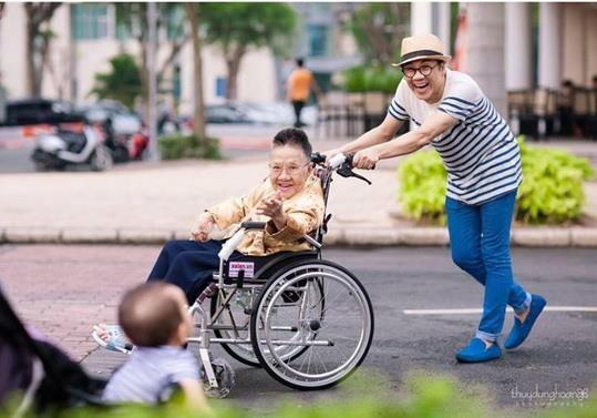 Nghệ sĩ Thành Lộc chia sẻ sau đám tang của mẹ - ảnh 1