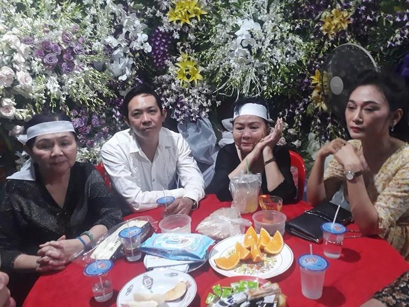 Nghệ sĩ Thành Lộc chia sẻ sau đám tang của mẹ - ảnh 4