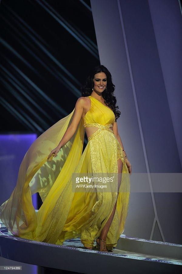 Váy dạ hội vàng của H'Hen Niê được xếp đẹp nhất thế giới - ảnh 9