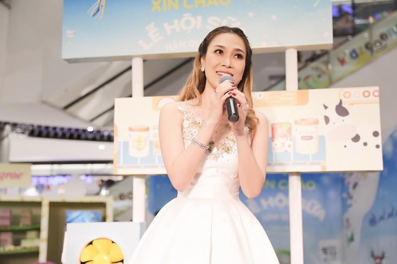 Mỹ Tâm, Bùi Anh Tuấn tham gia lễ hội sữa bảo vệ môi trường - ảnh 1