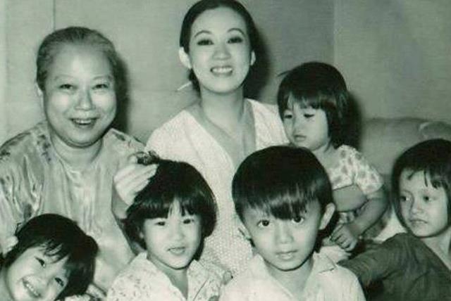 Fan tung ảnh hiếm mừng sinh nhật huyền thoại Thanh Nga - ảnh 20