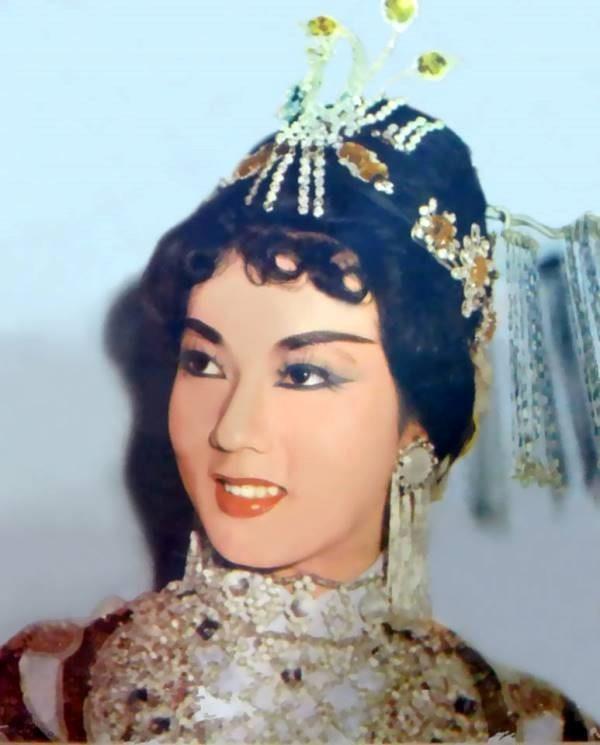 Fan tung ảnh hiếm mừng sinh nhật huyền thoại Thanh Nga - ảnh 21