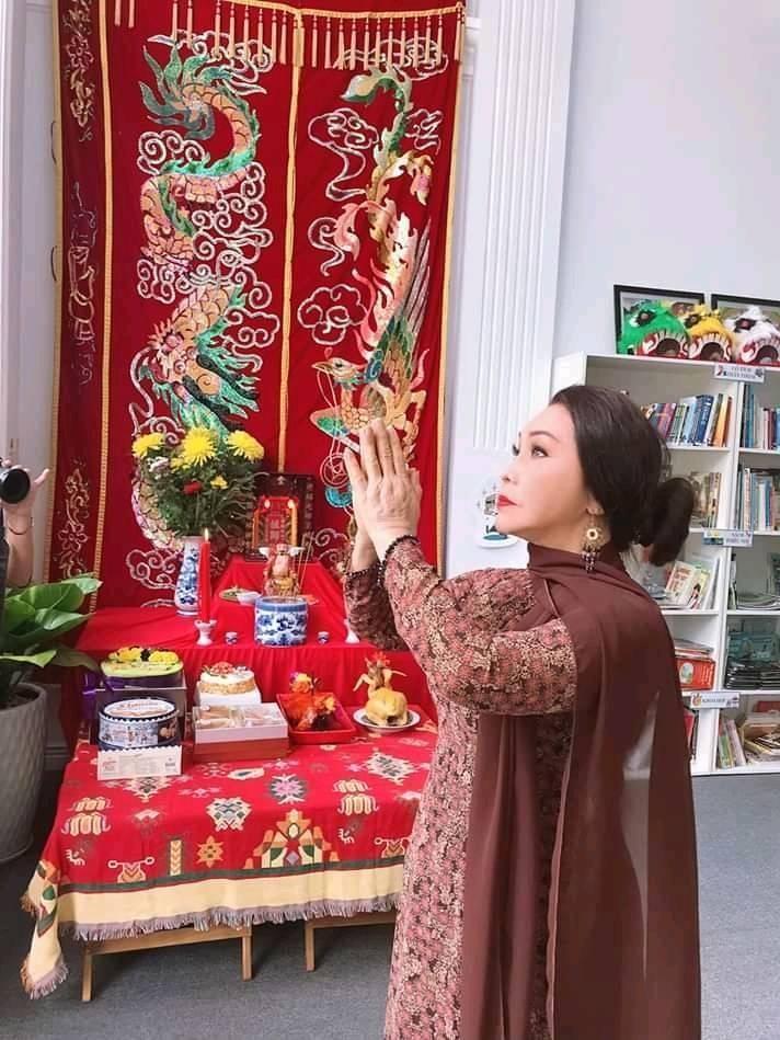 Nghệ sĩ Lệ Thủy, Bạch Tuyết dự Giỗ Tổ sân khấu - ảnh 2