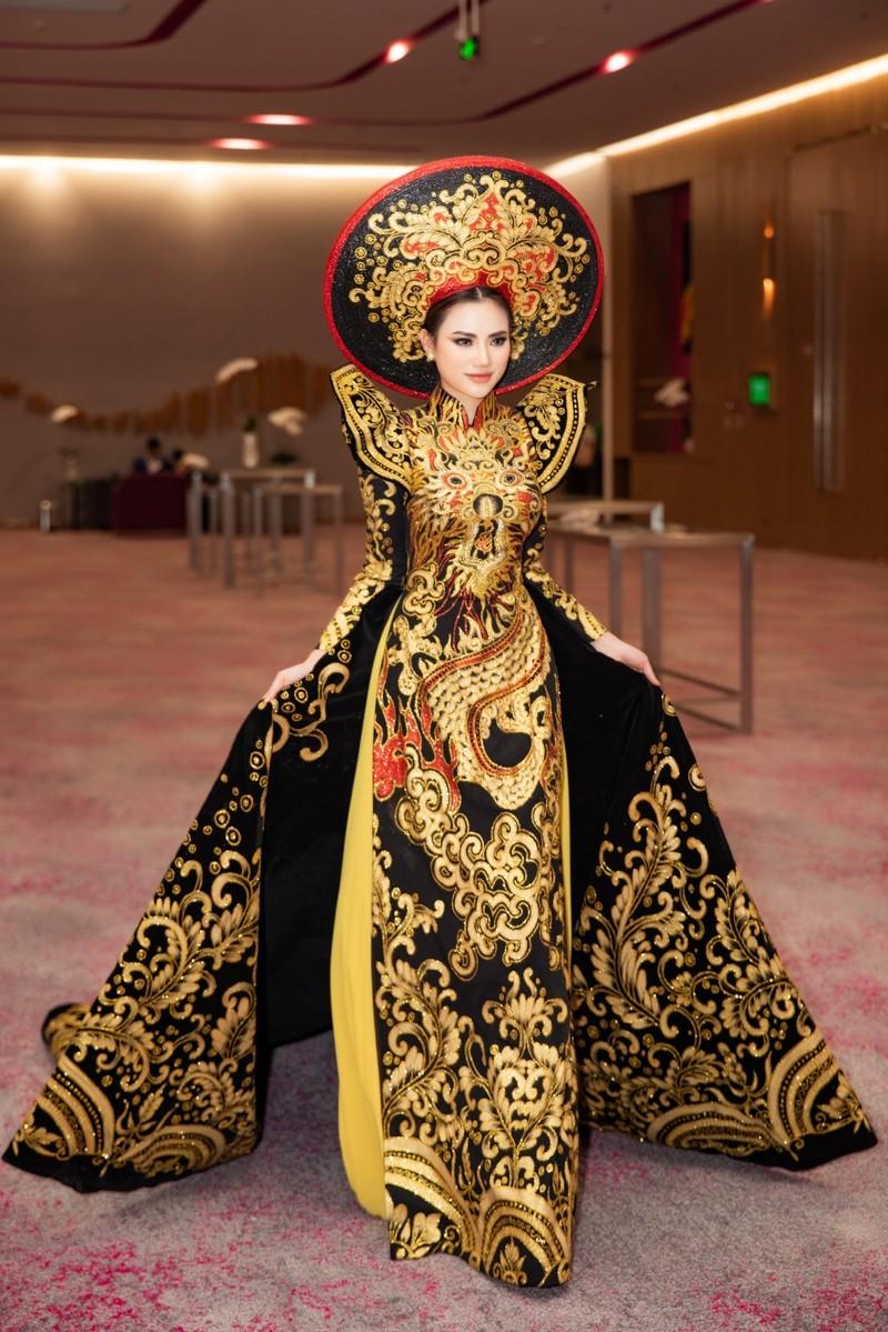 Vẻ đẹp bốc lửa của Á hậu châu Á 2019 Hà Vi Vi  - ảnh 7