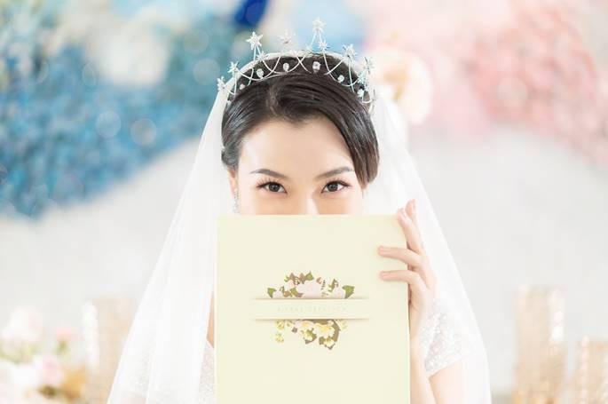 Sau Đông Nhi, Bảo Thy, đến lượt á hậu Hoàng Oanh sắp cưới - ảnh 11