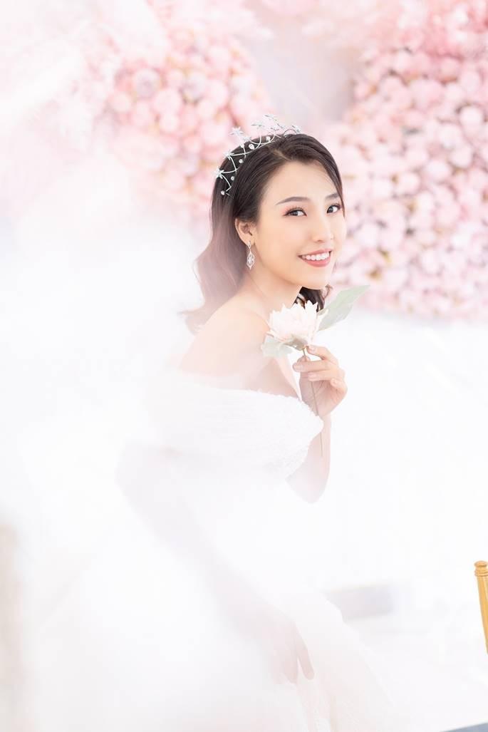 Sau Đông Nhi, Bảo Thy, đến lượt á hậu Hoàng Oanh sắp cưới - ảnh 13