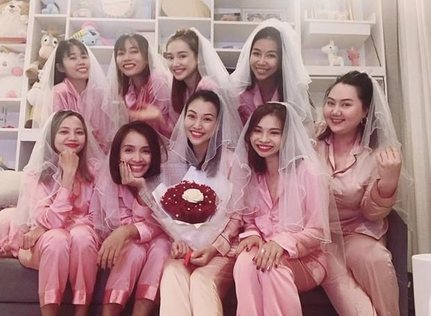 Sau Đông Nhi, Bảo Thy, đến lượt á hậu Hoàng Oanh sắp cưới - ảnh 4