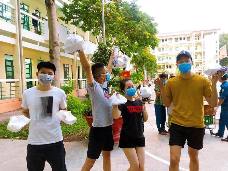 Chùm ảnh cách ly gây bão mạng của Việt kiều - ảnh 14