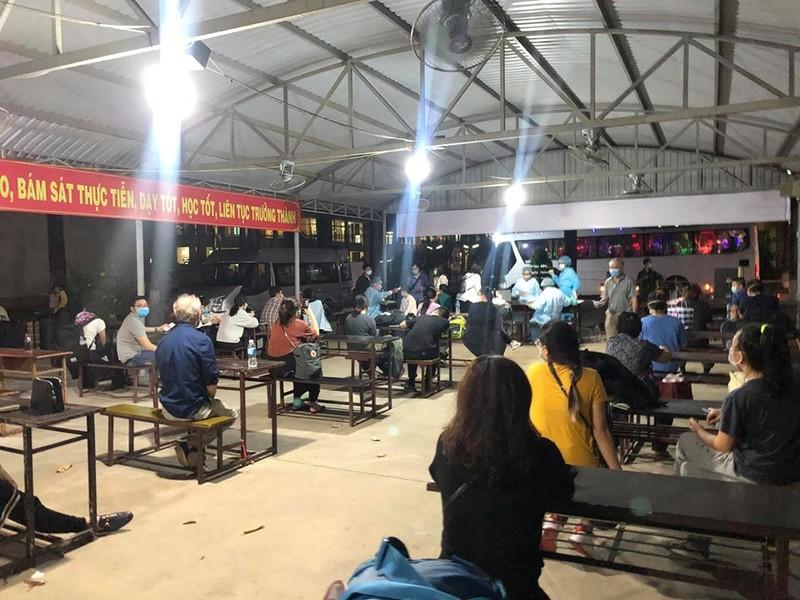 Chùm ảnh cách ly gây bão mạng của Việt kiều - ảnh 4
